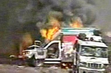 Maoists torch van carrying food for police