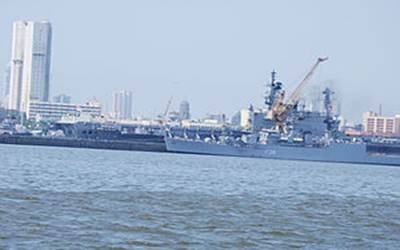 Two killed as INS Betwa slips while undocking