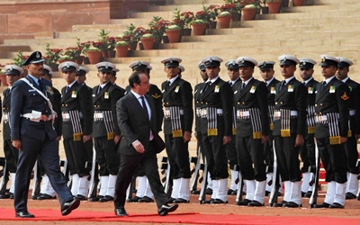Francois Hollande inspecting the guard of honour i...