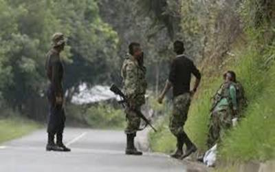 Six CRPF men killed in Kashmir highway ambush, two militants gunned down