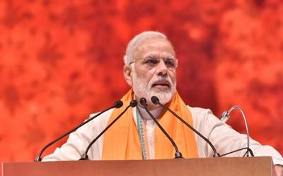 Empower women to fight social evils: Modi