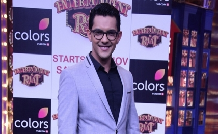 Singer Aditya Narayan detained in road accident case