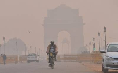 Post Diwali, Delhi grapples with 'very poor' air quality