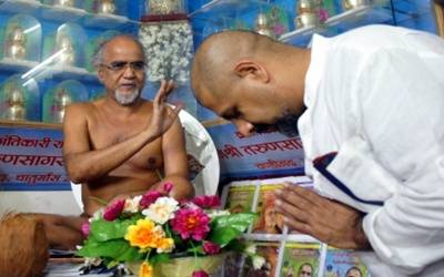Jain monk Tarun Sagar dies; President, PM offer condolences
