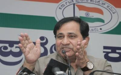Congress' Shakeel Ahmad to contest as Independent