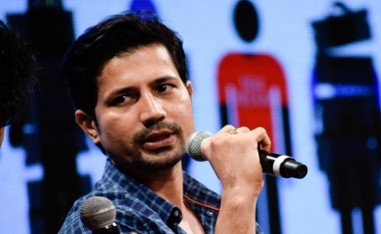 I don't believe in restricting myself: Sumeet Vyas