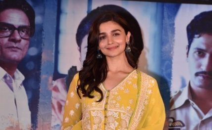 Ranveer, Ranbir are superb human beings and actors: Alia Bhatt