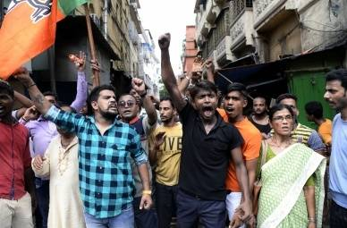Didi-BJP face-off: Water cannons greet saffron brigade in Kolkata (2nd Lead)