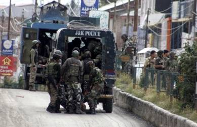 3 CRPF troopers, 1 militant killed in Anantnag attack (Lead)