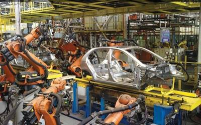 India's largest carmaker cuts production for 8th straight month