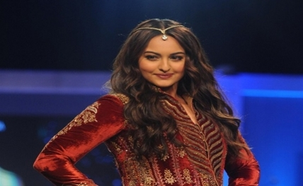 Ranveer, Deepika most stylist couple in B-Town: Sonakshi
