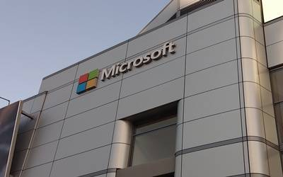 Microsoft to bring antivirus software to Android, iOS