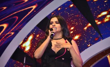 Sona Mohapatra reaches for the stars!