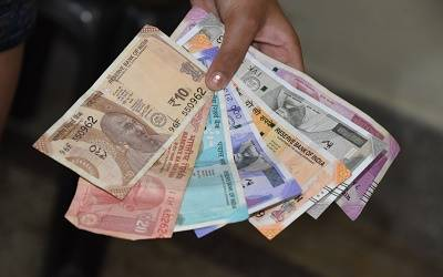 Rupee may breach 80 if lockdown persists: Acuite