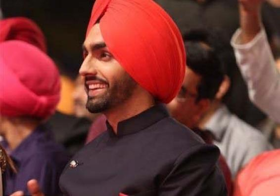Ammy Virk is back with new single 'Main suneya'